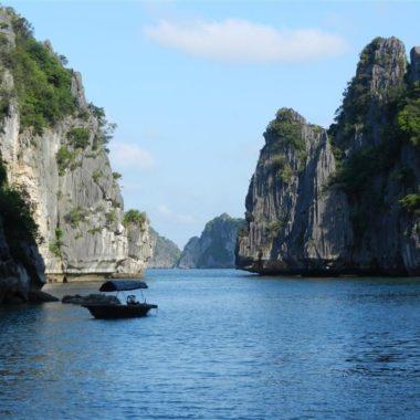 Dream away friday: Halong Bay, Vietnam