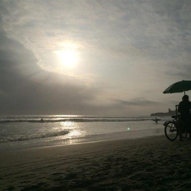 Dream away friday: Montañita, Ecuador