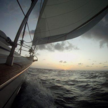 Hitch Sailing: zeil goedkoop de wereld over!