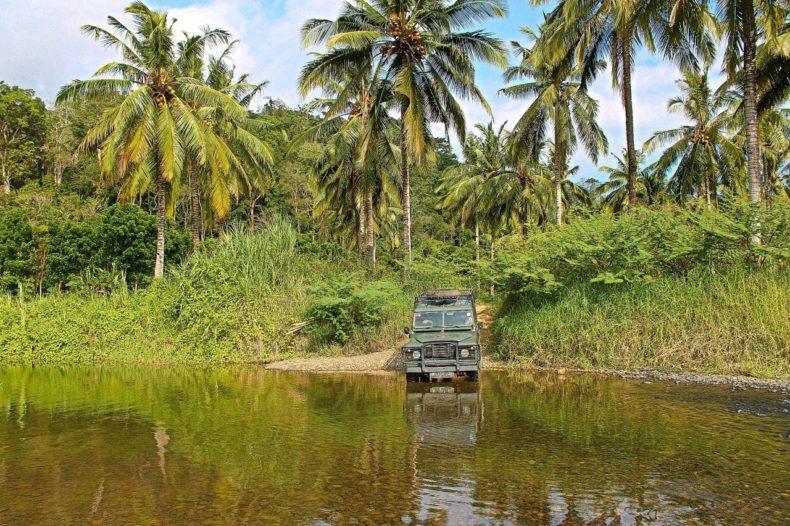 Indonesia-Java-Sukamade-Jeep-river