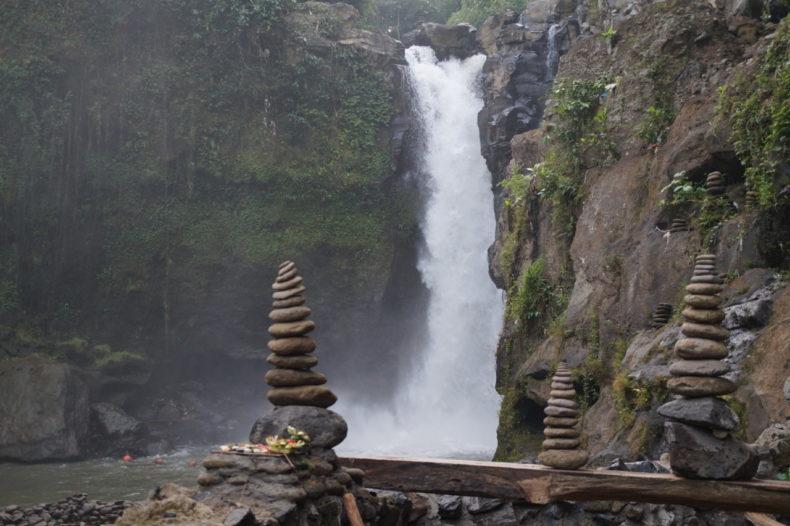 Bali-Teganungan-Waterfall 00.07.10