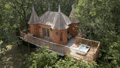 8 wel héél bijzondere boomhutten op Airbnb