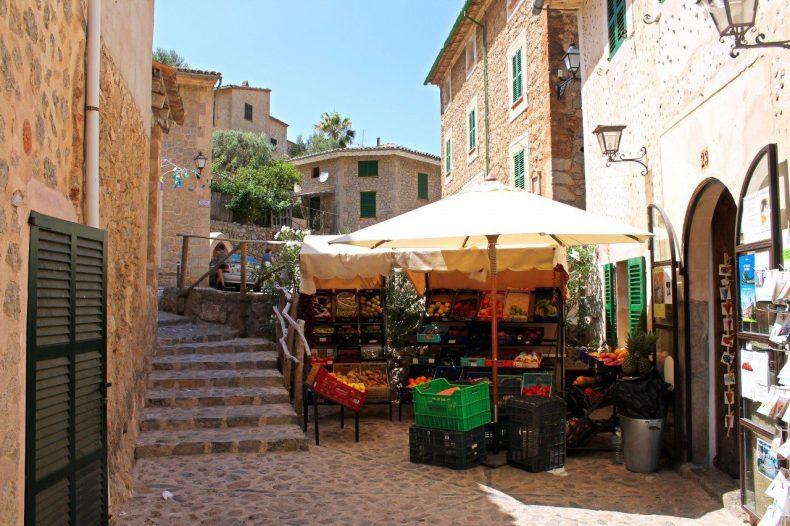 mallorca-deia-straatbeeld
