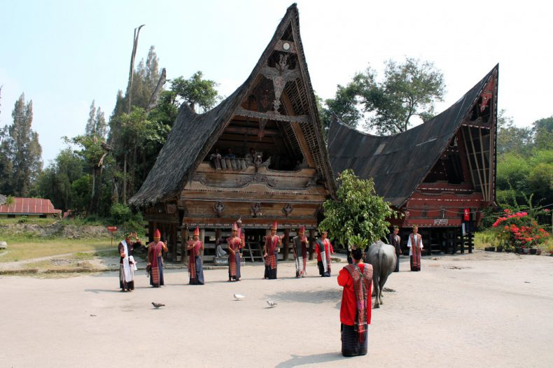 indonesie-sumatra-samosir-batak-dans