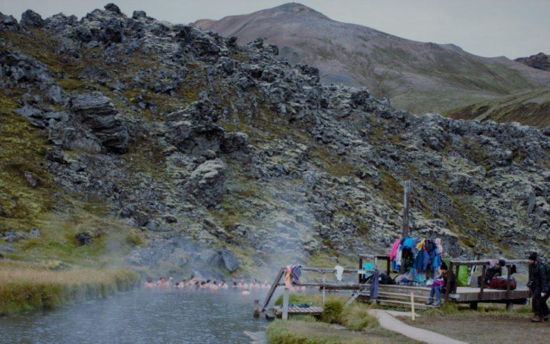 ijsland-langmannalaugar-hotsprings-camping