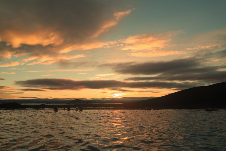 ijsland-myvatn-zonsondergang