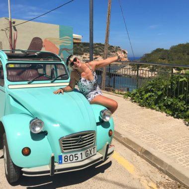 Roadtrippen in een Eend op Ibiza