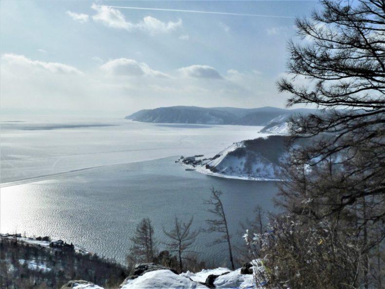 Trans-Siberie-Express-Lake-Bakail