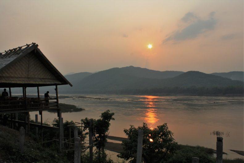 Slowboat_Laos_Luang_Prabang_Ervaring_Zongsondergang
