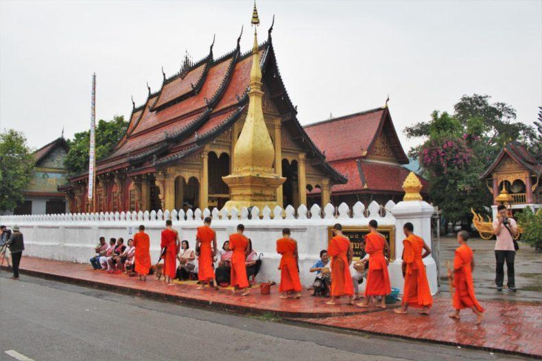 Slowboat_Laos_Luang_Prabang_Ervaring_Stad_Monniken