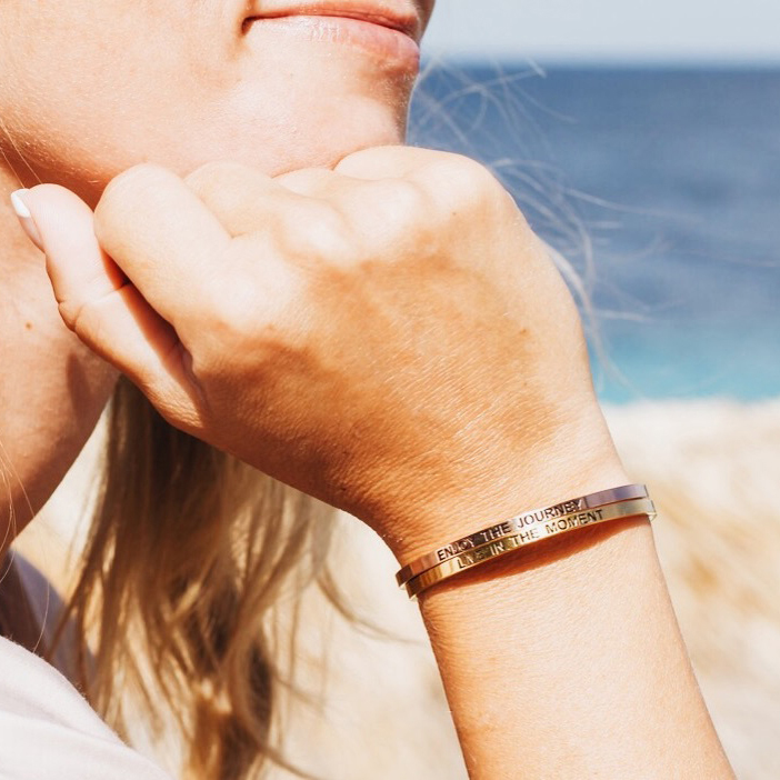 Armband met travel quote