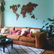 wanddecoratie-wereldkaart-op-hout