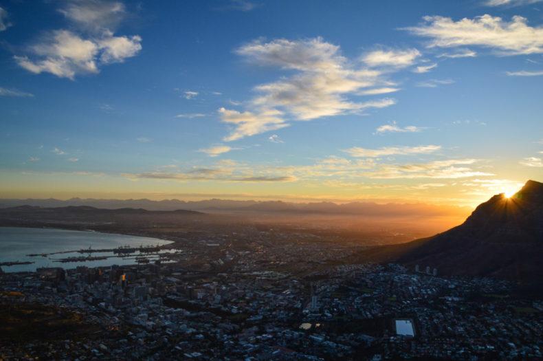 Bezienswaardigheden-zuid-afrika-zonsopkomst-lionshead2