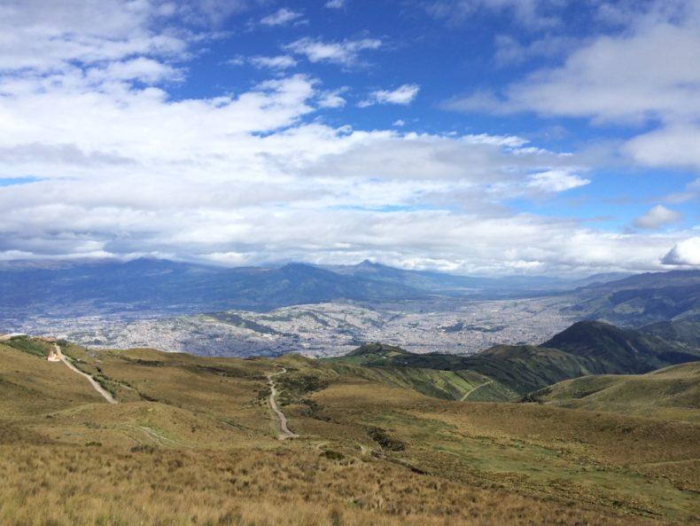 hike-quito-ecuador