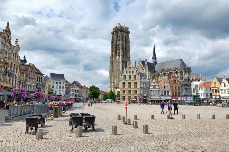Grote markt mechelen belgie